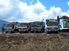 camion-rifiuti-discarica